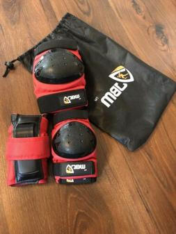JBM Youth Knee Pads Size Small With Wrist Guards And Elbow P
