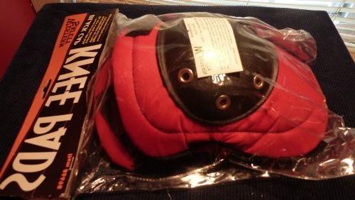 black cap knee pads